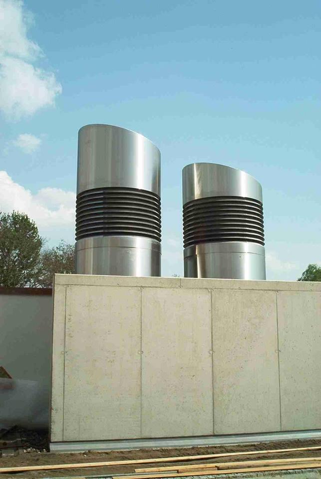 Lüftungsbauwerke / Doppelwandiger Elementschornstein Steintherme